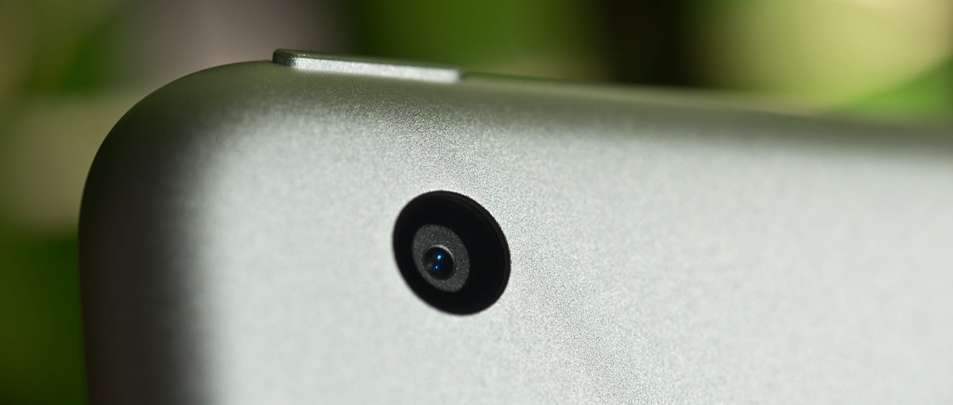 A photo of the Apple iPad mini 3's camera.