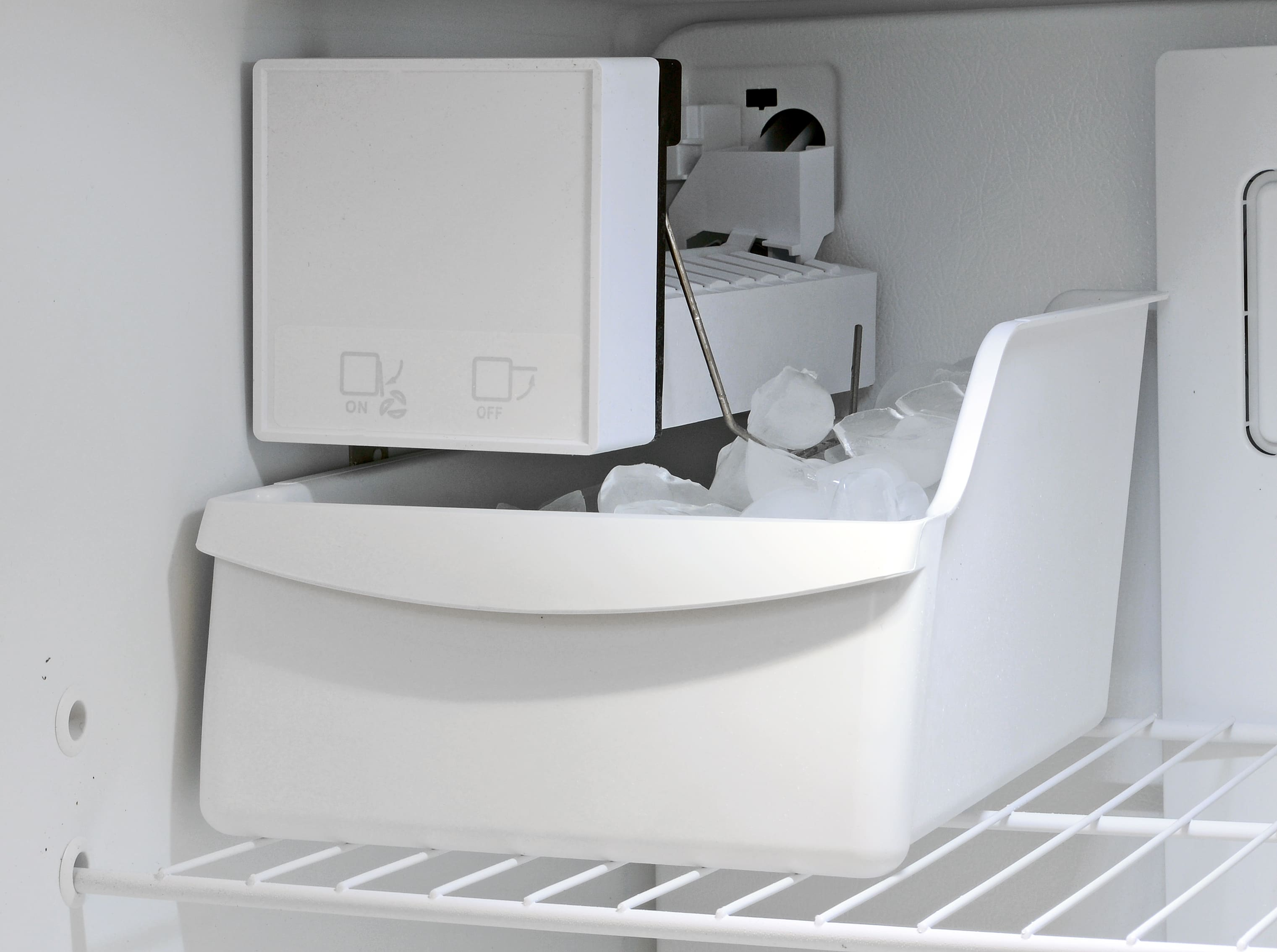 An icemaker isn't guaranteed for fridges in the Kenmore 70623's price bracket, and is a nice perk.