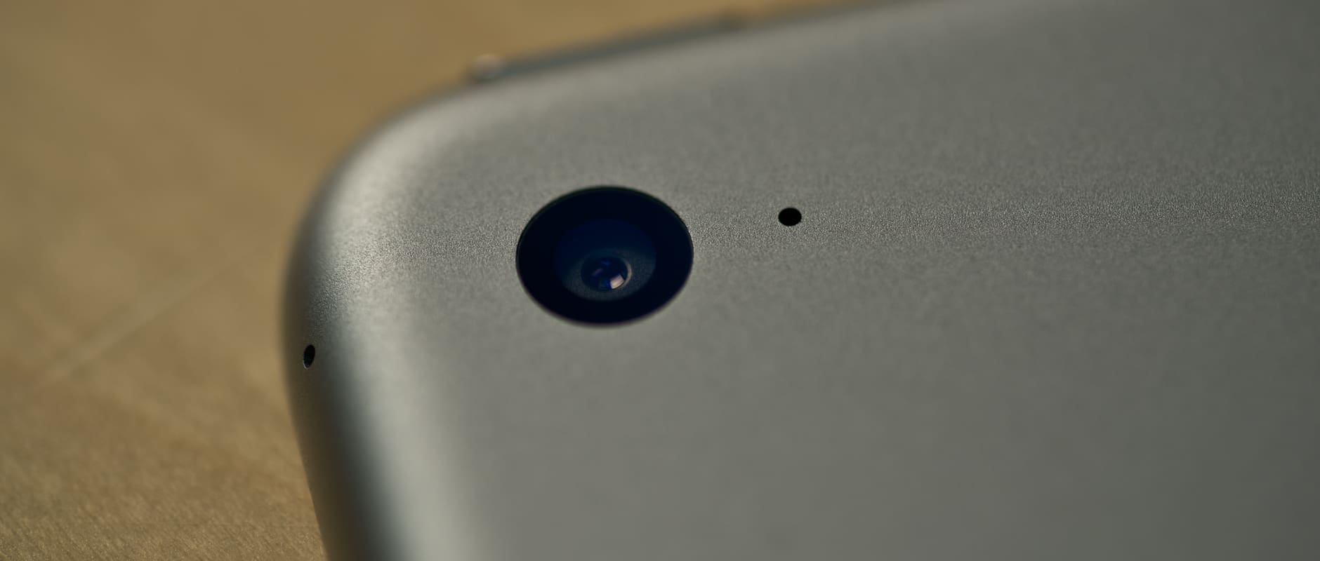 A photograph of the Apple iPad Air 2's camera.