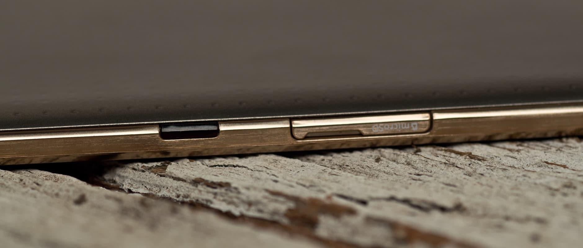 A photograph of the Samsung Galaxy Tab S 8.4's microSD slot.