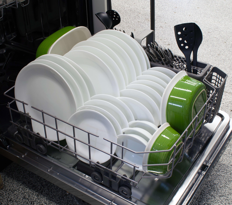 KitchenAid KDTE304DSS bottom rack capacity