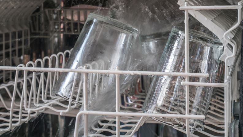Cloudy_glasses_in_dishwasher
