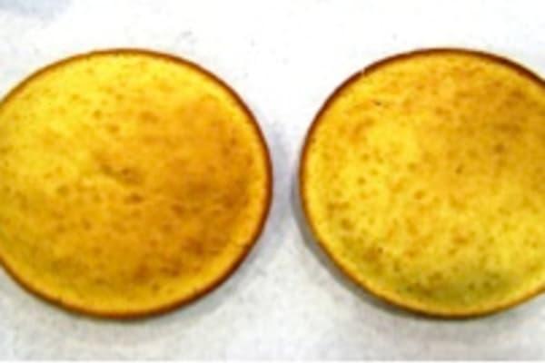 Upper oven cake tops