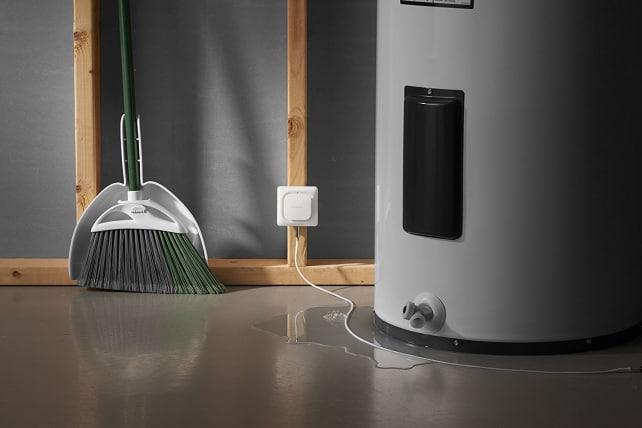 Honeywell Lyric Wi-Fi Water Leak & Freeze Detector