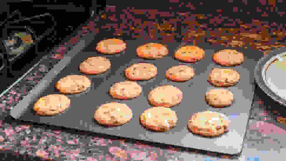 Airbake baking sheet