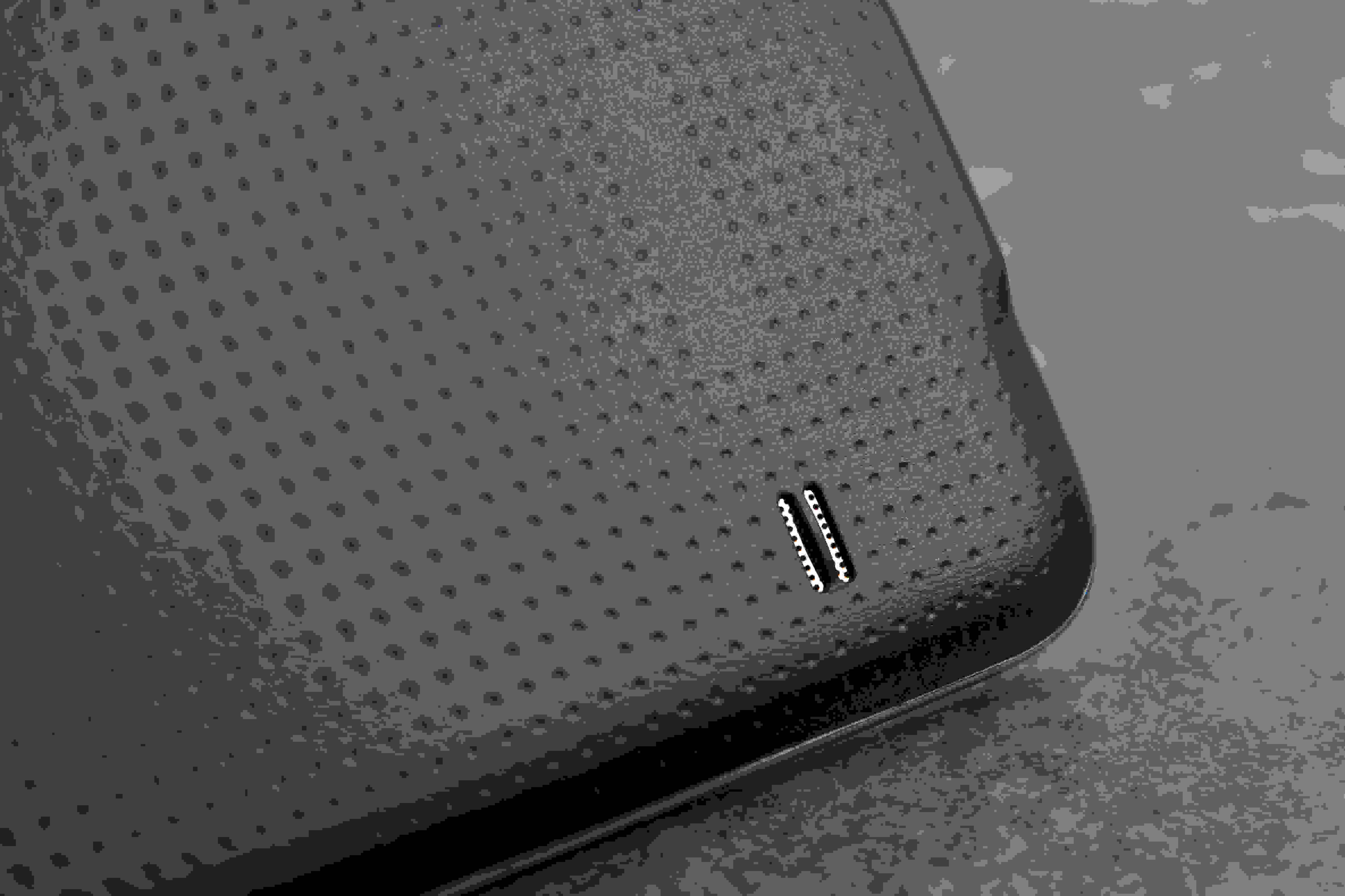 A picture of the Samsung Galaxy S5's speaker.