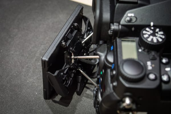 The unique tilt screen mechanism employs several struts to allow for a huge range of motion. It looks delicate, but feels solid in use.