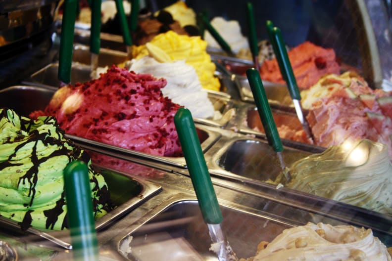 gelato-case-flickr-roboppy.jpg
