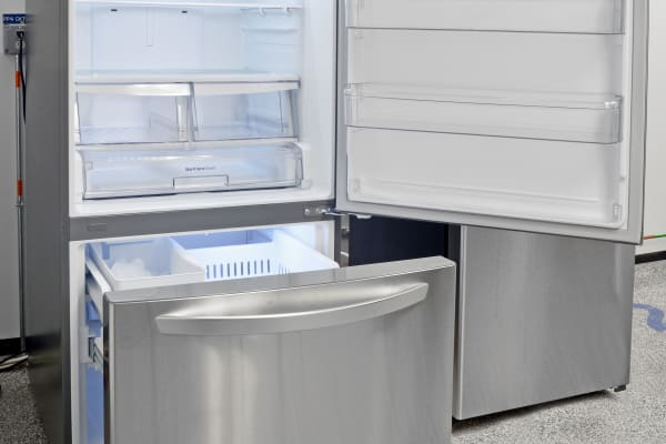 The LG LDCS24223S has lots of space, and fairly easy access to all of it.
