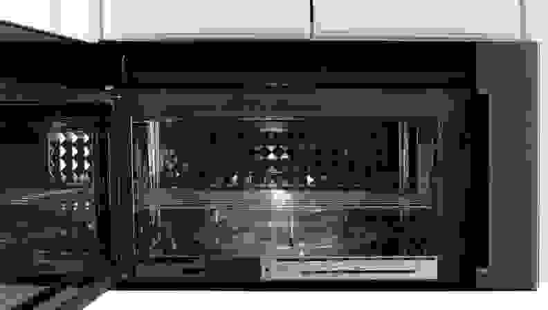 Frigidaire FPBM3077RF Door Open
