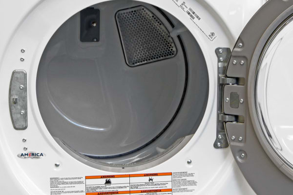 The white plastic interior is at greater risk of rusting and flaking compared to stainless, but it help keeps the cost of the Whirlpool Duet WED87HEDW down.
