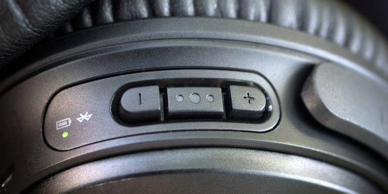 Bose QuietComfort 35 Playback Controls