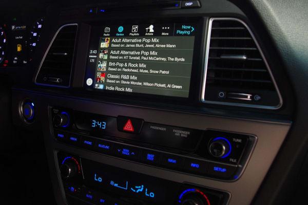 iTunes Radio on Apple CarPlay
