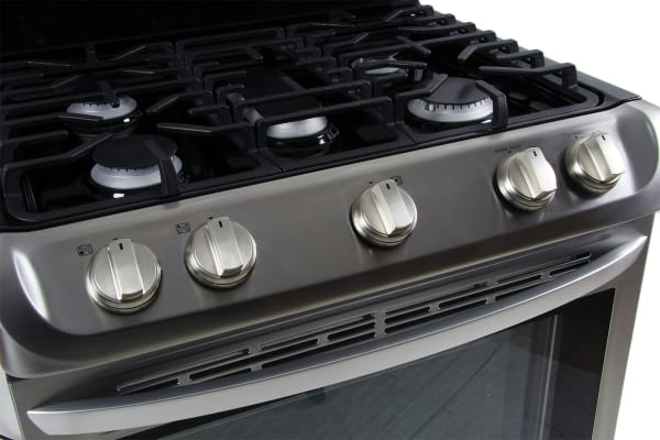 The burner controls are tilted upwards.