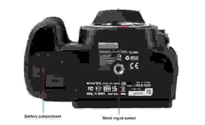 SONY-A550-bottom.jpg