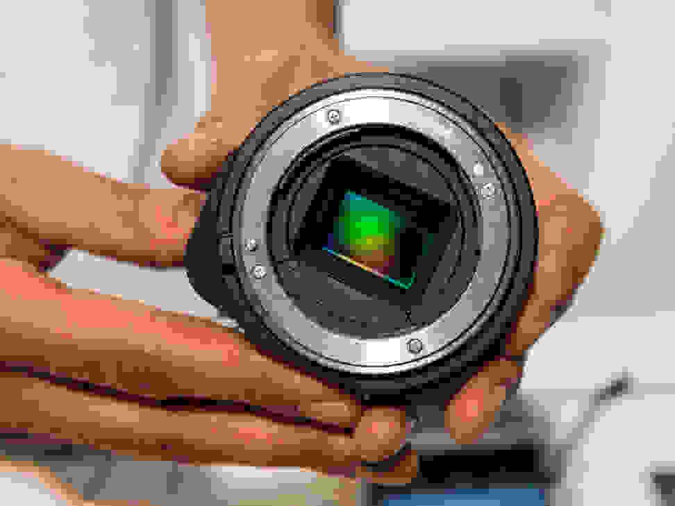 Sony Cyber-shot QX1 – The APS-C Sensor