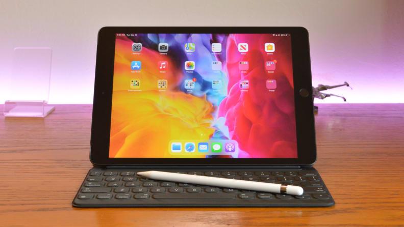 Apple iPad 2020 Front