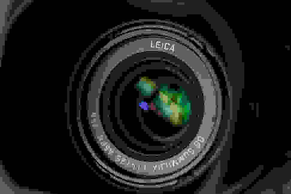 panasonic-25mm-f1p4-review-design-camera-wide.jpg