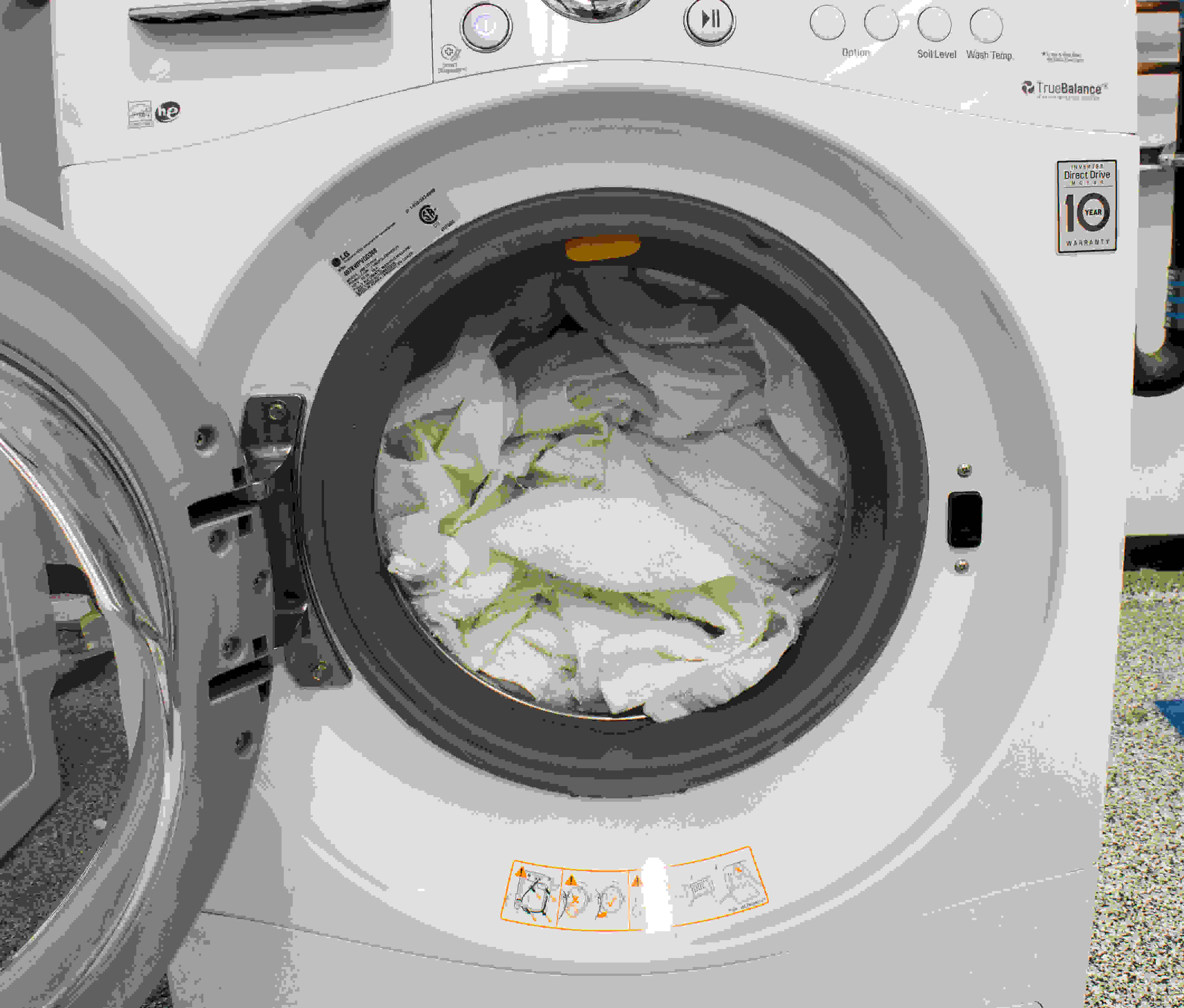 With just 2.3-cu.-ft. of capacity, you'd be able to fit just one basket of laundry into this washer.