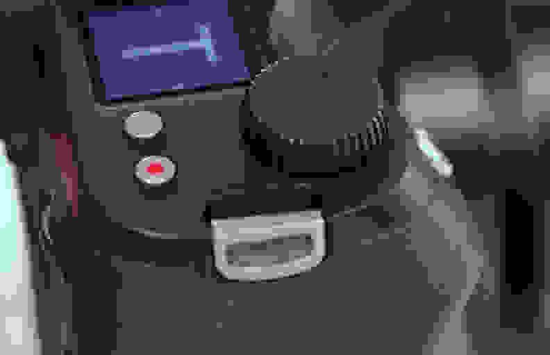 LEICA-S-007-REVIEW-CONTROL.jpg