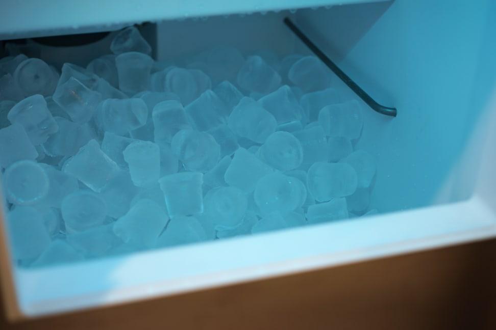 true-clear-ice-inside-bin.jpg