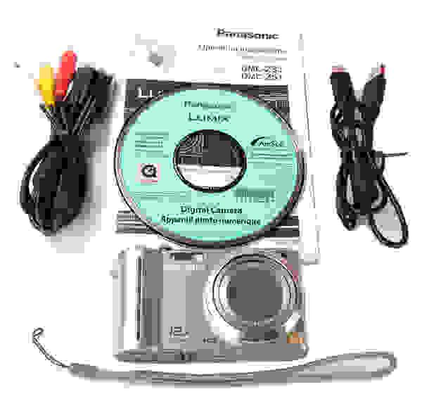 PANASONIC-ZS3-boxshot.jpg