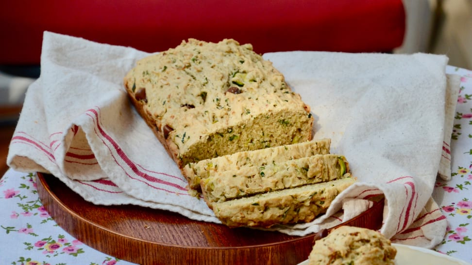 How to make zucchini bread at home