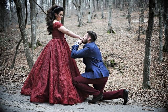 Red dress proposal