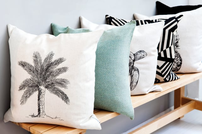 Throw-pillows-on-bench