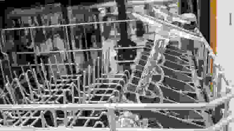 The Whirlpool WDT750SAHZ dishwasher's stemware holders