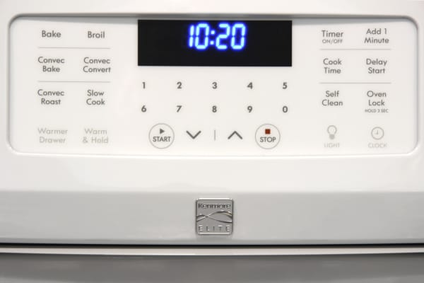 The Kenmore 75232's oven controls