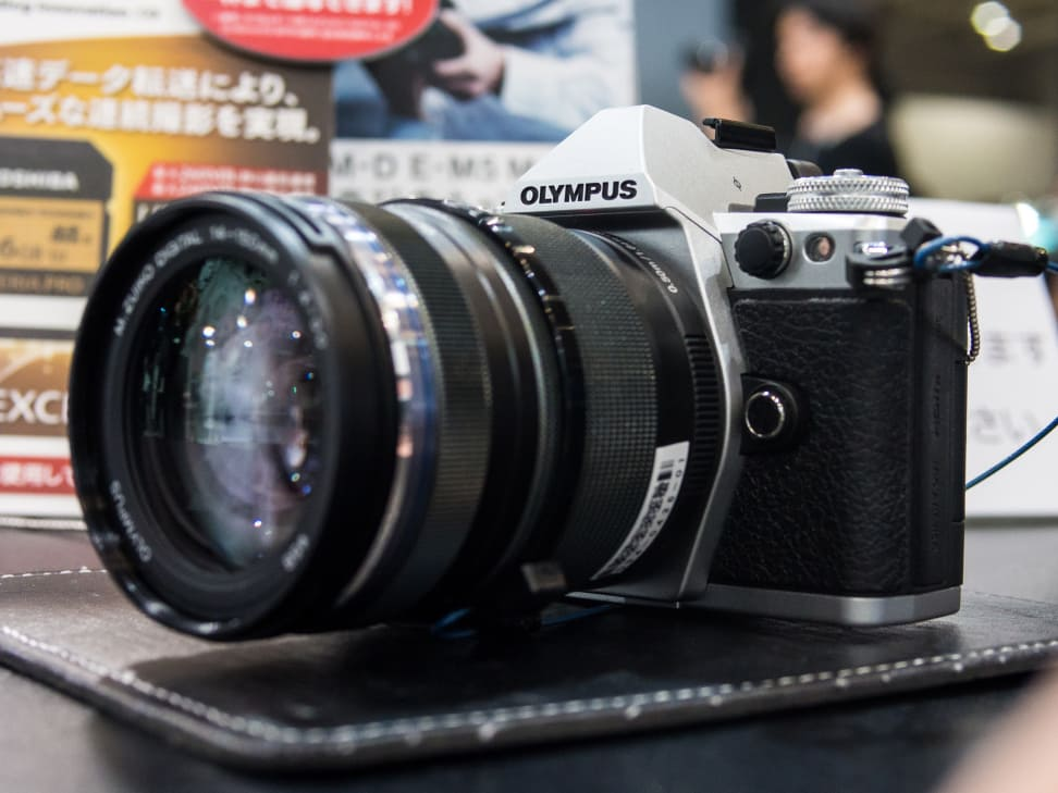 Olympus OM-D E-M5 – In Profile