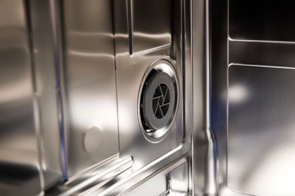 Thermador Sapphire DWHD650JPR internal drying fan