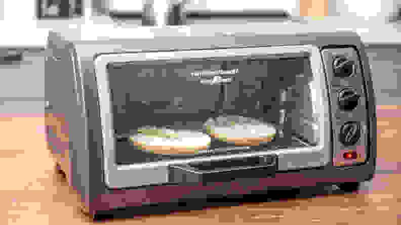 Hamilton Beach 6 Slice Easy Reach Toaster Oven with Convection