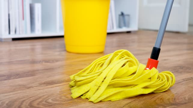 Use-a-damp-mop-on-hardwoods