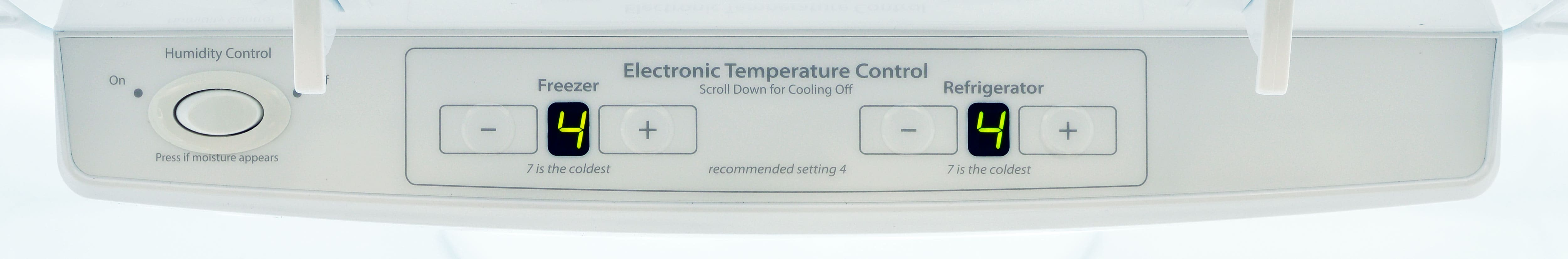 The Whirlpool WRF535SMBM's controls are easy to adjust, but the 0 to 7 scale isn't terribly informative.