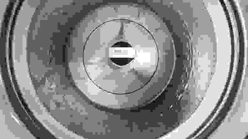 A top-down view of the WTW8127LC's drum