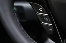 Siri Steering Wheel Control Apple CarPlay Honda Accord