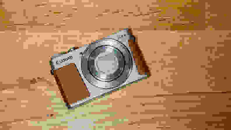 Canon G9 X Mark II Hero 2