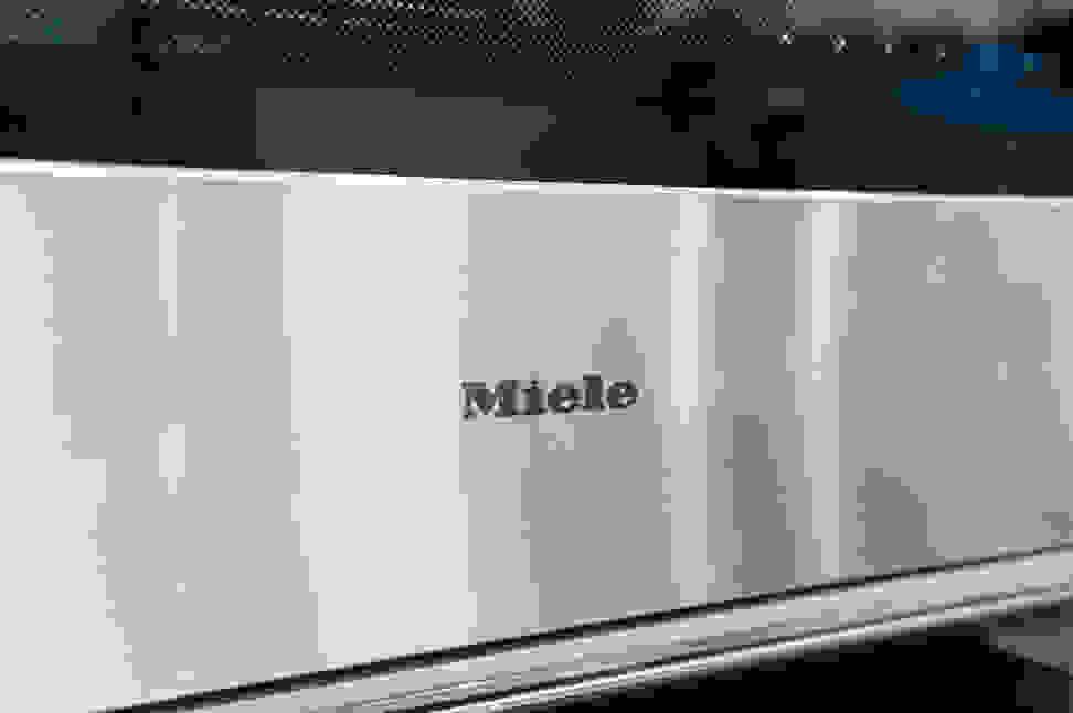 Miele H6780BP2 Design Logo