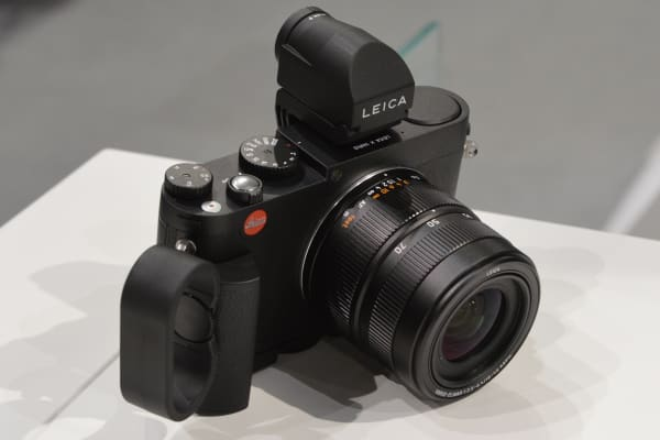 With all the accessories attached the Leica X becomes quite ungainly, but handles securely.