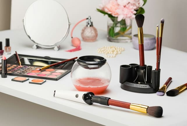 Luxe Makeup Brush Cleaner