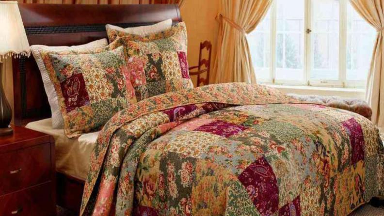 Multicolor comforter
