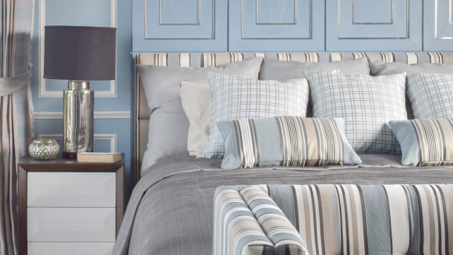 Getty-Images-blue-gray-bedroom