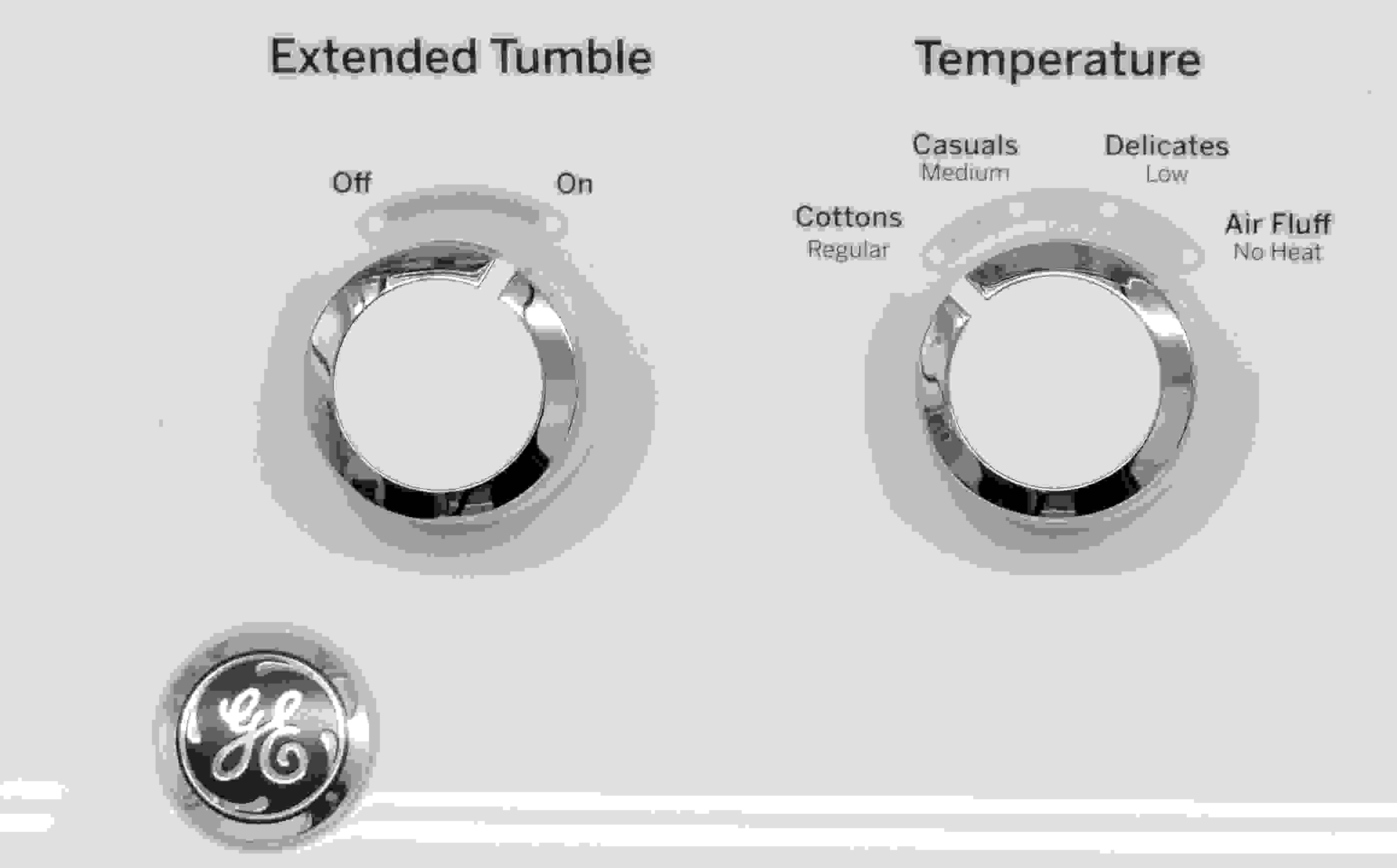All you get with the basic GE GTD42EASJWW is a manual temperature select and the option to turn Extended Tumble on or off.