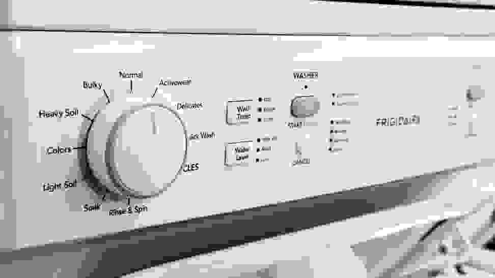 Frigidaire FFLE3900UW No frill controls