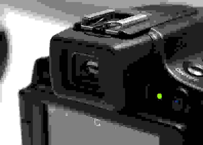 CANON-SX60-REVIEW-EVF.jpg