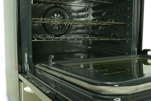 The total oven capacity is 5.0-cubic-feet.