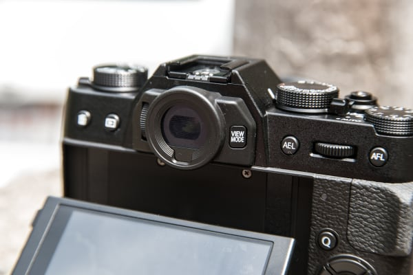 The EVF on the X-T10 is comfortable and accurate.
