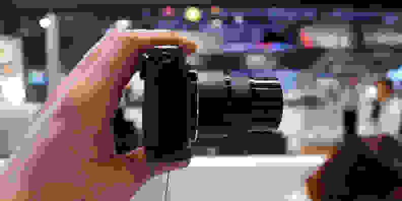 CANON-SX710-FI-DESIGN-LENS.jpg
